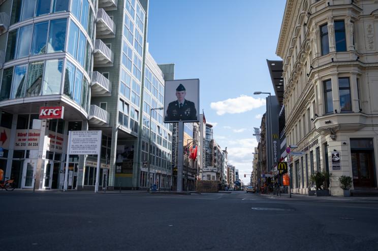 Rendas reguladas em Berlim: fracasso de política deixa milhares de inquilinos desprotegidos